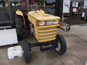 WINDS BASE黄色のトラクター